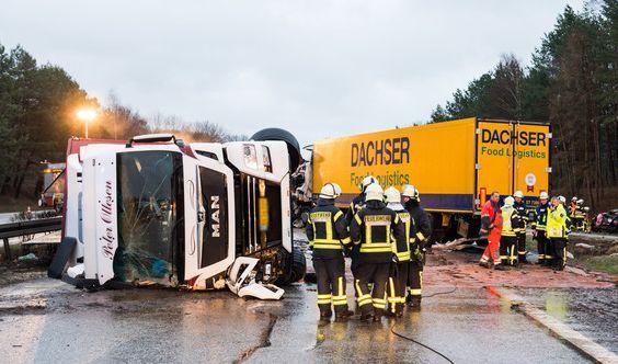 Horror-Crash auf Autobahn A 24