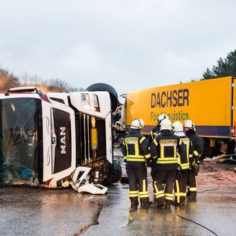 3 Tote nach Autobahn-Unfall und Massenkarambolage (Foto)
