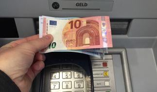 Bezahlen wir bald Strafzinsen auf unser Bargeld? (Foto)