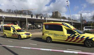 Nach Schüssen in einer Straßenbahn im niederländischen Utrecht geht die Suche nach dem Motiv weiter. (Foto)