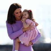 Mini-Prinzessin Charlotte sieht aus wie Lady Di? (Foto)