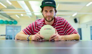 """René Wagner wurde als Sportstudent zum Erfinder der Trendsportart """"Headis"""". (Foto)"""
