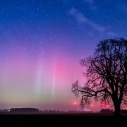 HIER verzaubern Polarlichter den Nachthimmel über Deutschland (Foto)