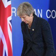 Die nächste Schlappe für Theresa May - DIESE Alternativen stehen zur Debatte (Foto)