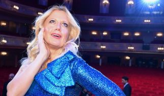 Barbara Schöneberger hat offenbar ein Auge auf einen bekannten deutschen TV-Moderator geworfen... (Foto)