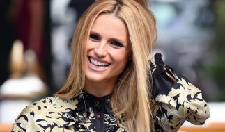 So kennt man Michelle Hunziker: Lange blonde Haare und strahlendes Lächeln. (Foto)