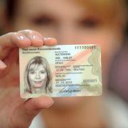 SO beschneidet der neue Ausweis unsere Grundrechte (Foto)