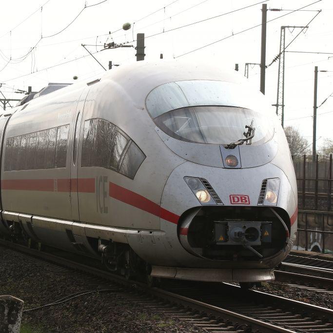 Reisende sitzen in Düsseldorf fest! Gerissene Oberleitung legt ICE lahm (Foto)