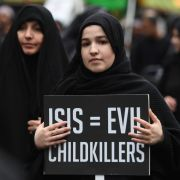 Ließ eine deutsche IS-Anhängerin ein kleines Mädchen verdursten? (Foto)