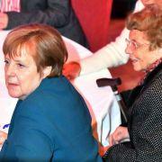 Kanzlerin Angela Merkel in Trauer: Ihre Mutter ist verstorben! (Foto)