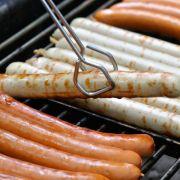 Gesundheitsgefahr! Unternehmen ruft DIESE Grillwurst zurück (Foto)