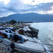 Erdbeben der Stärke 6,9 erschüttert Insel Sulawesi (Foto)