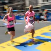 Kenianer Cherono gewinnt 123. Boston Marathon im Zielsprint (Foto)