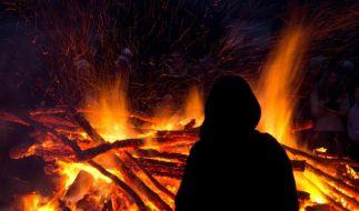 An Ostern werden wieder in vielen Regionen Deutschlands die traditionellen Osterfeuer entfacht. (Foto)