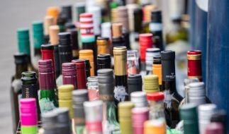 Deutsche trinken eine Badewanne voll Alkoholika pro Kopf und Jahr. (Foto)