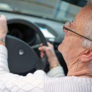 Geisterfahrerin (84) verletzt Kind (3) und Erwachsene bei Unfall (Foto)