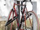 Doppelt hält besser: Die Stiftung Warentest rät, sein Fahrrad am besten mit zwei Schlössern verschiedener Bauarten zu sichern, um es Dieben möglichst schwer zu machen. (Foto)
