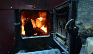 In Russland warf ein Opa seinen Enkel in einen brennenden Ofen. (Symbolbild) (Foto)