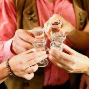 Fördert ein Schnaps die Verdauung? (Foto)