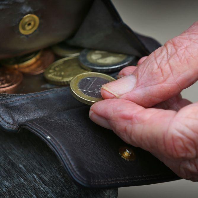 Schlecht angelegt! Negativzinsen kosten Rentner über 50 Millionen (Foto)