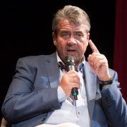 Ex-SPD-Chefs rechnet mit umstrittener Asyl-Studie ab (Foto)