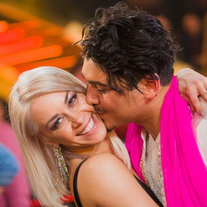 """Wann läuten endlich die Hochzeitsglocken beim """"Let's Dance""""-Paar? (Foto)"""