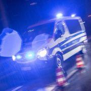 5 Maskierte überfallen in Hessen Café mit Maschinengewehr (Foto)