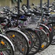 Radfahrer sollen Parkgebühren zahlen! Die Reaktionen sind bitterböse (Foto)