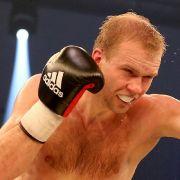 Härtel besiegt Box-Europameister Krasniqi und holt sich Titel (Foto)