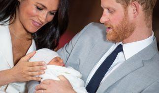 Meghan Markle und Prinz Harry ist das Elternglück förmlich ins Gesicht geschrieben. (Foto)