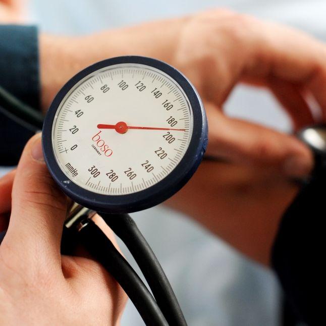 Gesundheitsgefahr! Hersteller ruft DIESEN Blutdrucksenker zurück (Foto)