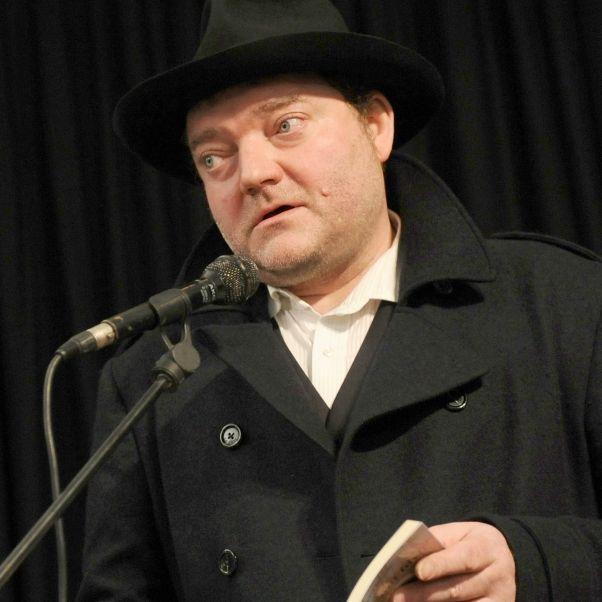 Satiriker (57) nach schwerer Krankheit verstorben (Foto)