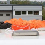 Fallschirmspringer aus 50 Metern in den Tod gestürzt (Foto)