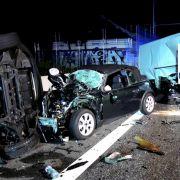 Gaffer behindern Rettung nach Horror-Crash - Polizei geht auf Konfrontationskurs (Foto)