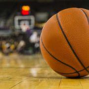 """Wiederholung von """"EWE Baskets Oldenburg - ALBA BERLIN, Halbfinale, Spiel 3"""" online und im TV sehen (Foto)"""