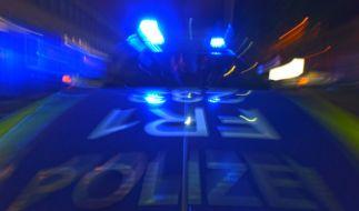 In Frankfurt am Main musste die Polizei am Dienstagabend zu einem Großeinsatz ausrücken - nach einer Schießerei sind vier Personen festgenommen worden (Symbolbild). (Foto)