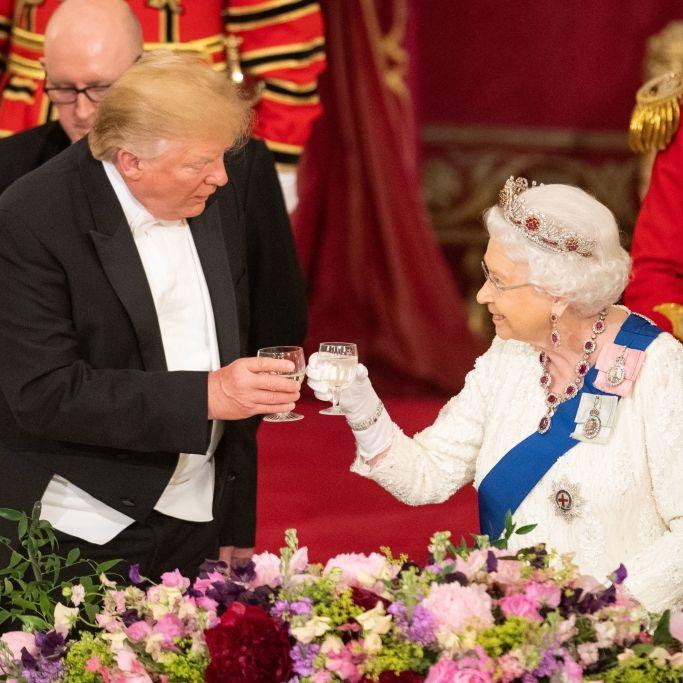 Abschied von Queen Elizabeth II! US-Präsident in Frankreich eingetroffen (Foto)
