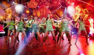"""In der einmaligen Show """"Let's Dance - Die große Profi-Challenge"""" tanzen die Profitänzer um die Gunst des Publikums. (Foto)"""