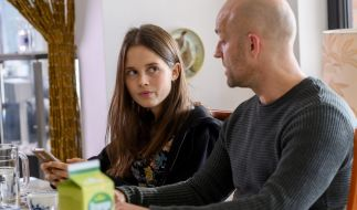 Bianca Nawrath mit ihrem Serien-Vater Jürgen Vogel. (Foto)