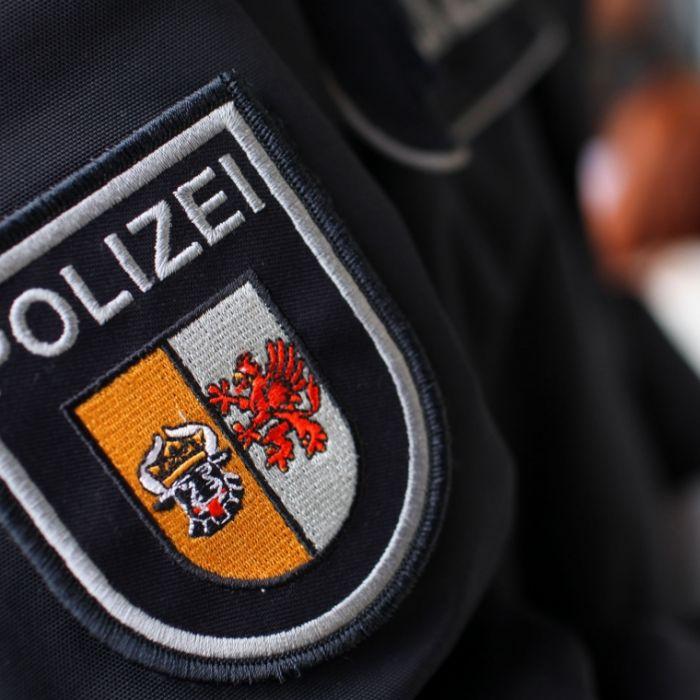 Polizisten bedrängen Minderjährige sexuell - Bußgeld als Strafe (Foto)