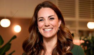 Kate Middleton strahlt über beide Ohren - ist die Herzogin etwa zum vierten Mal schwanger? (Foto)
