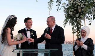 Mesut Özil hat geheiratet. (Foto)