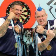 Schottland mit Anderson und Wright besiegt Irland im Finale des World Cup of Dart (Foto)