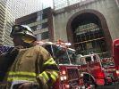 Nach einem Hubschrauberabsturz im New Yorker Stadtteil Manhattan waren zahlreiche Rettungskräfte im Einsatz. (Foto)