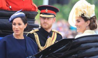 Warum schaute Prinz Harry so kritisch? (Foto)