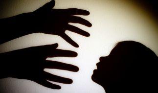 Ein Mann hat seine Stieftochter fast 20 Jahre lang vergewaltigt. (Foto)