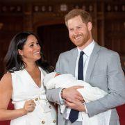 DESHALB fehlt Queen Elizabeth bei Baby Archies Taufe (Foto)
