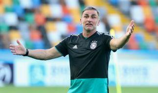 U21-Bundestrainer Stefan Kuntz steht mit der Nationalmannschaft bei der Europameisterschaft in Italien und San Marino auf dem Platz. (Foto)