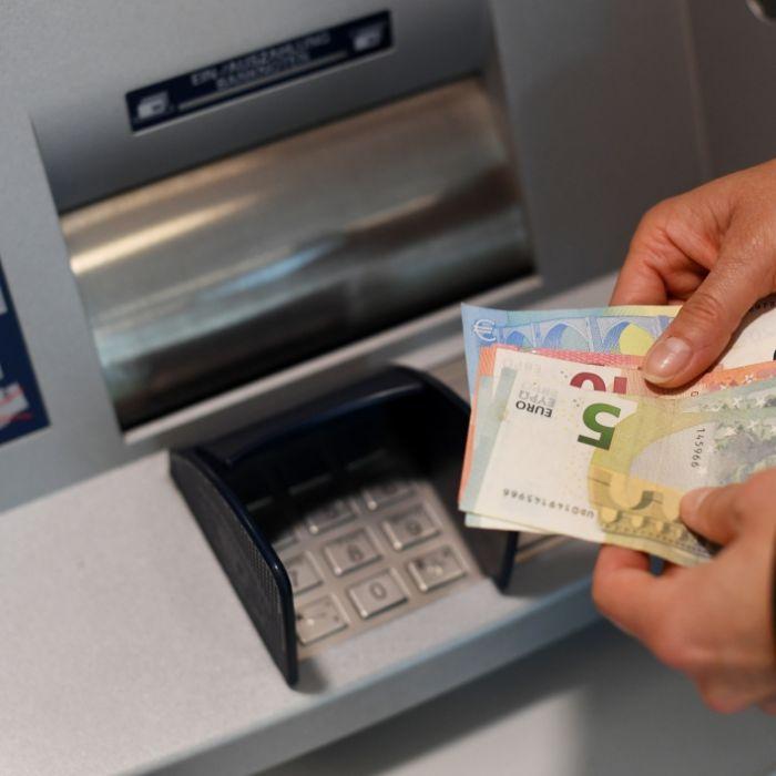 Gebühren-Hammer! Bei DIESEN Banken wird's bald teurer (Foto)