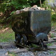Junge (10) wird von Bergwerks-Lore überrollt - Polizei ermittelt (Foto)